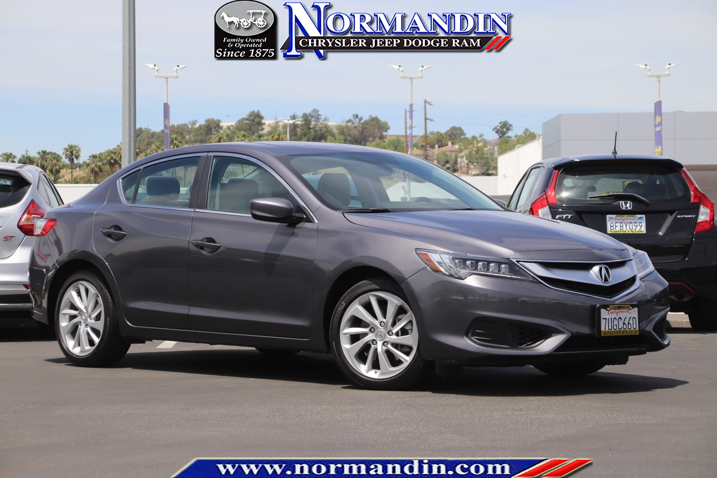 Acura Sedan 2017 >> Pre Owned 2017 Acura Ilx Fwd 4d Sedan
