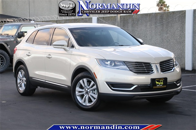 Pre-Owned 2016 Lincoln MKX Premiere