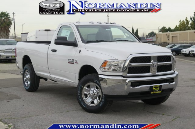 New 2018 RAM 3500 Tradesman 4x4 Reg Cab 8' Box Regular Cab ...
